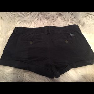 Abercrombie & Fitch navy cuffed shorts.